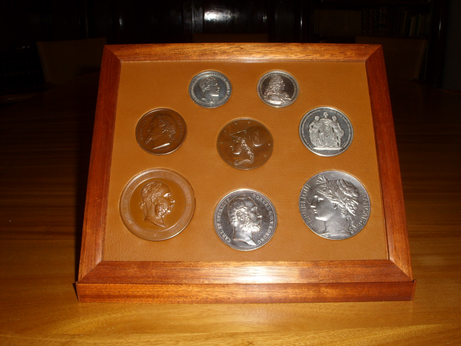 Opbavring af medaljer, Allerhuset