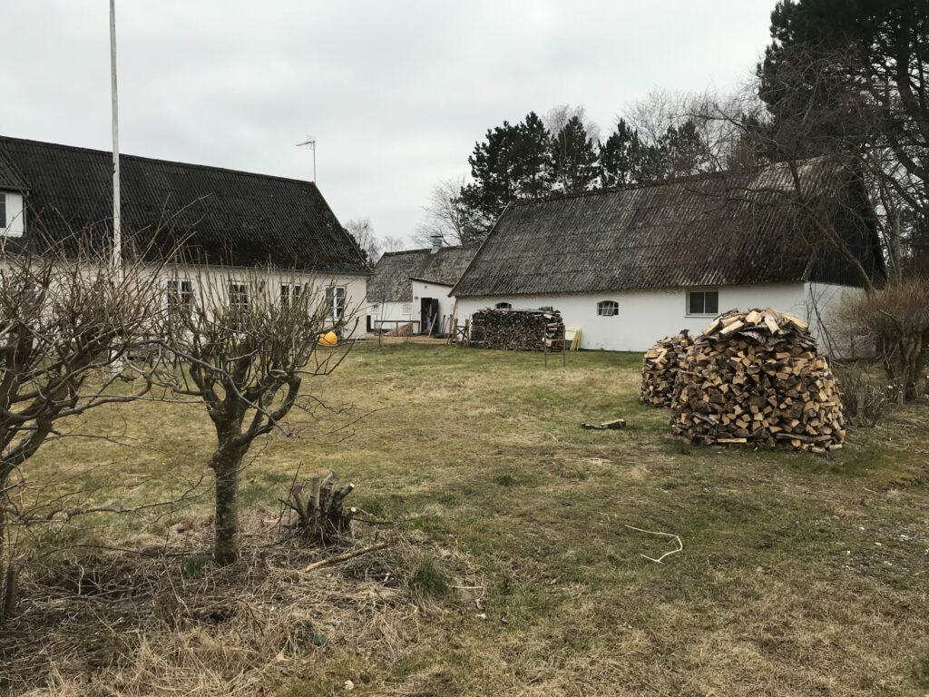 Haven og brændestabel