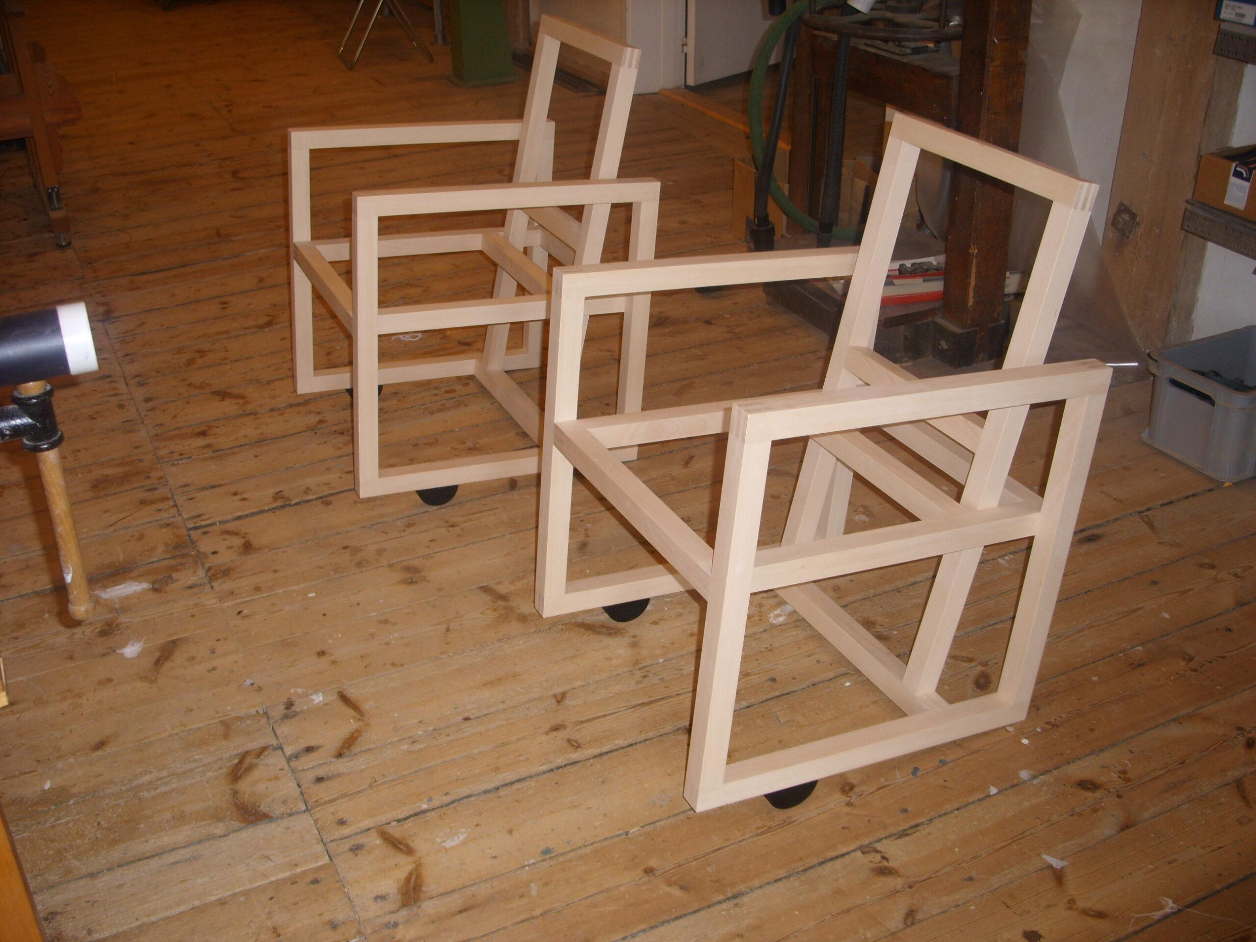 To træstole for Torben Skov 002
