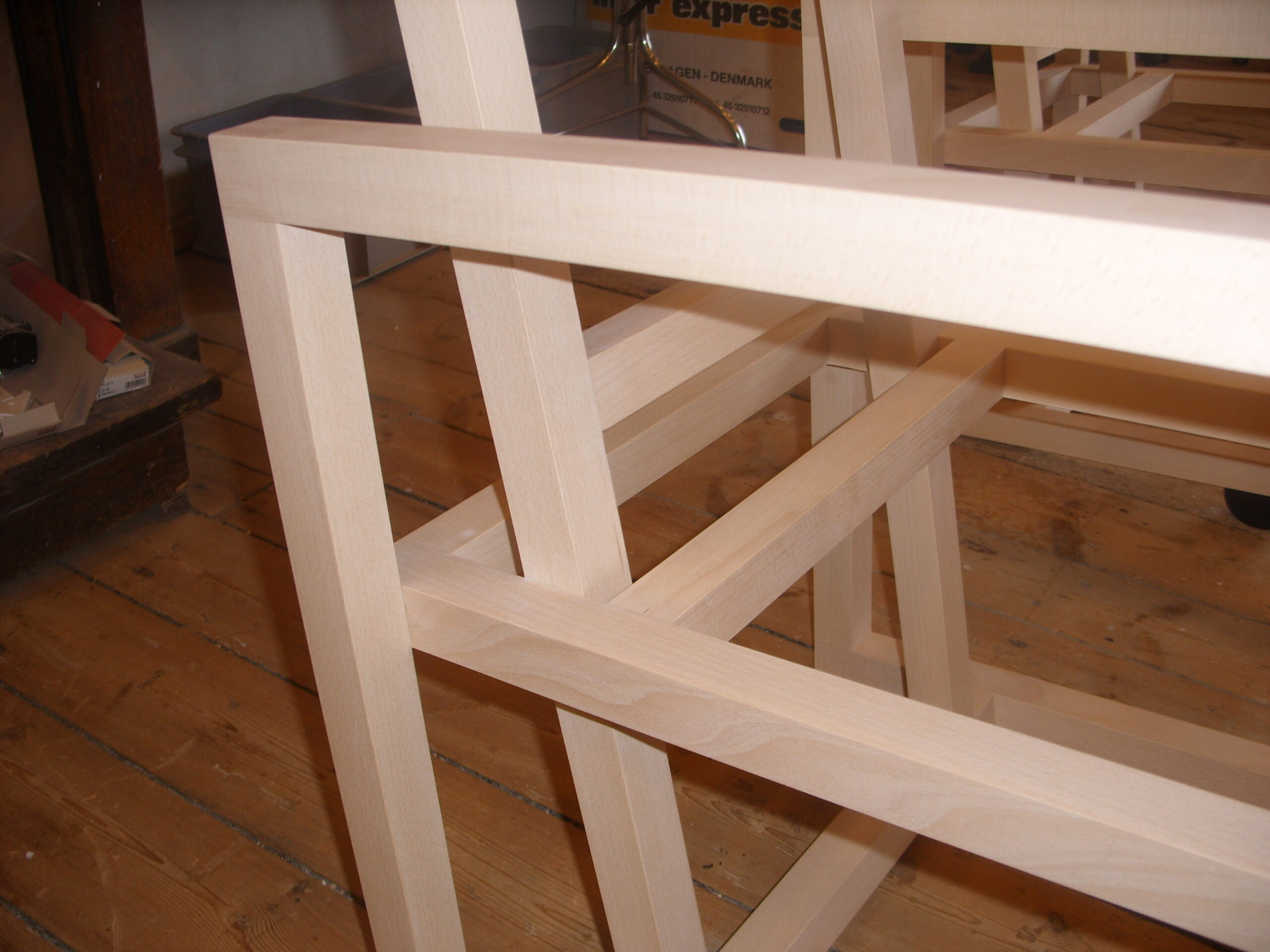 To træstole for Torben Skov