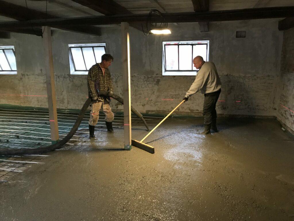 Hjælp til støbning af gulv