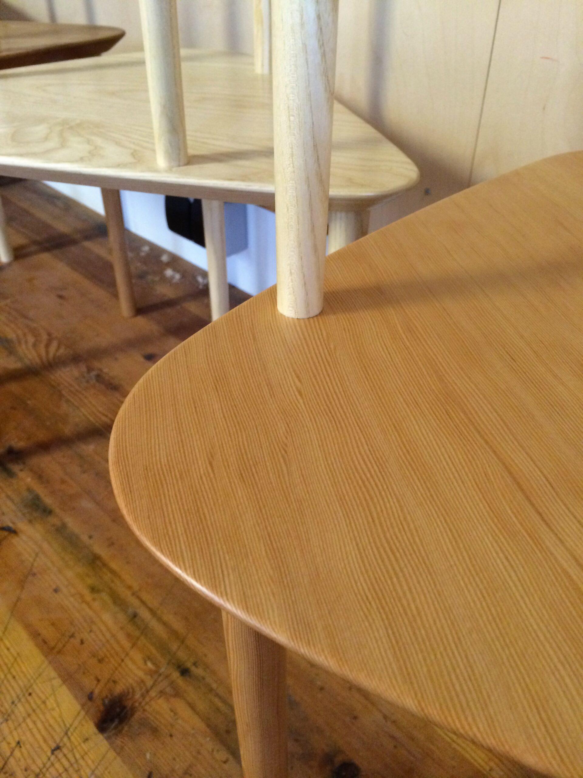 Trebens bord i to etager