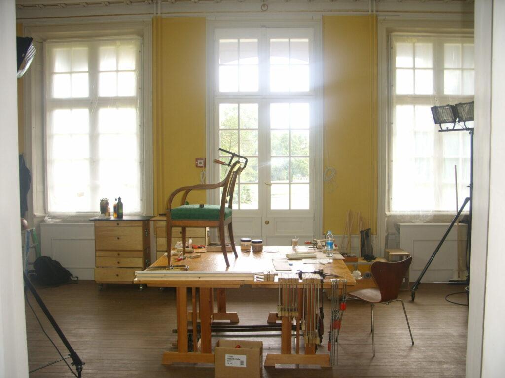 Det var i smukke omgivelser jeg kunne arbejde med Øregaard museets møbler